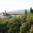 Pogled na Kostanjevico, v ospredju Laščakova vila ali vila Rafut